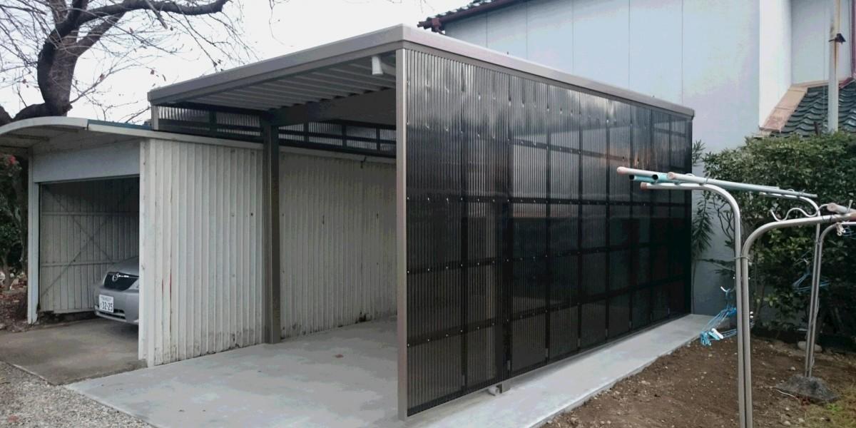 側面パネルで雨の吹込みに対応!丈夫な折板カーポートの施工例 犬山市S様邸