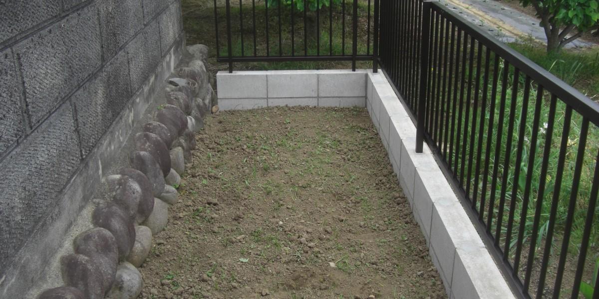 駐車スペースと敷地境界のブロック積みとフェンス設置 犬山市