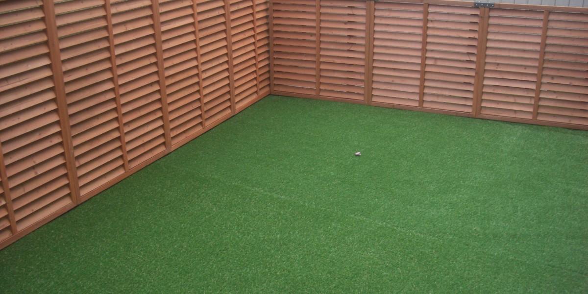 愛犬のドックラン用の人工芝スペースとラティスフェンスの施工例 江南市T様邸