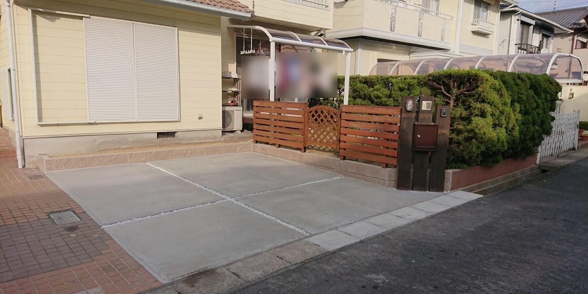駐車場の拡張と木製のフェンス・枕木門柱取付工事|小牧市