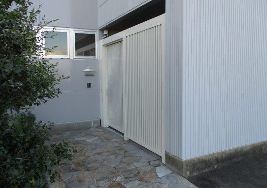 古くなった門扉の交換工事|扶桑町