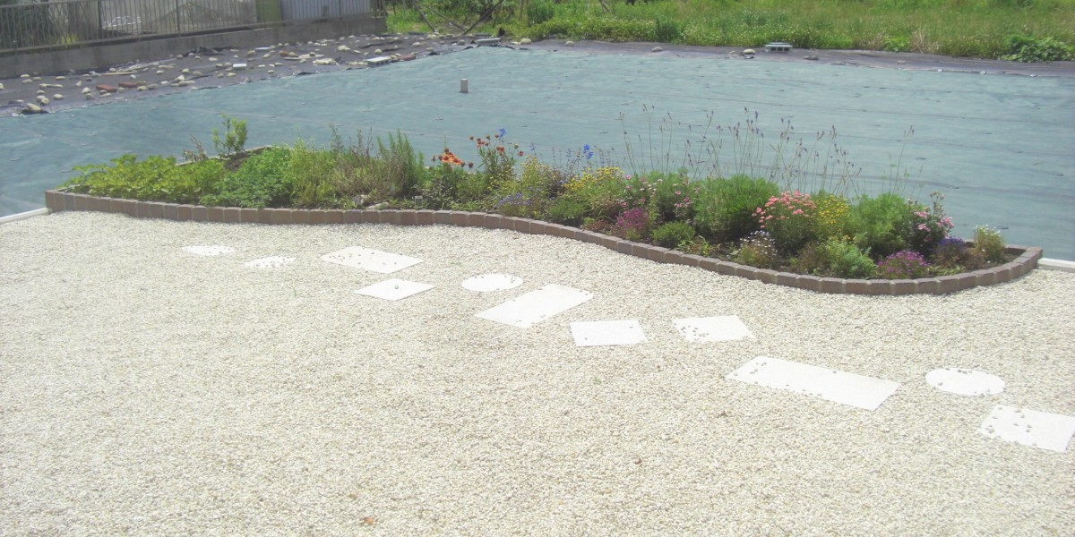 広いお庭の雑草対策に防草シートを敷いた施工例