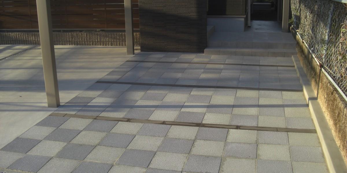 建物のデザインに調和したモダンな新築外構施工事例 駐車場・アプローチ・門廻り|犬山市