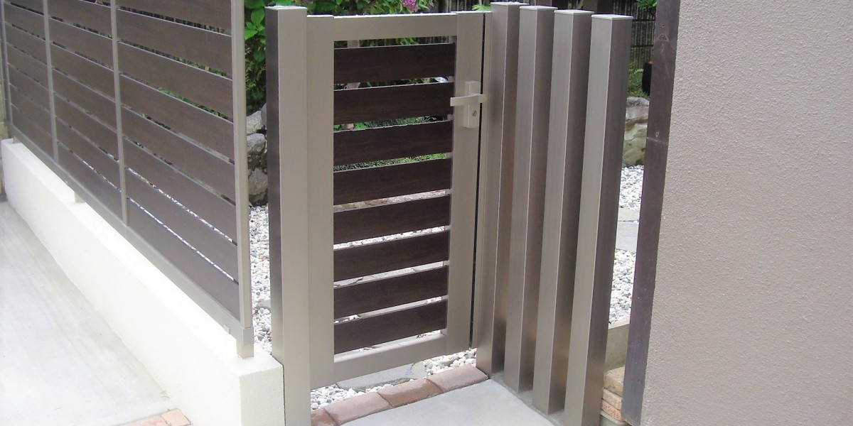 立水栓と木目の門扉の取付工事 扶桑町