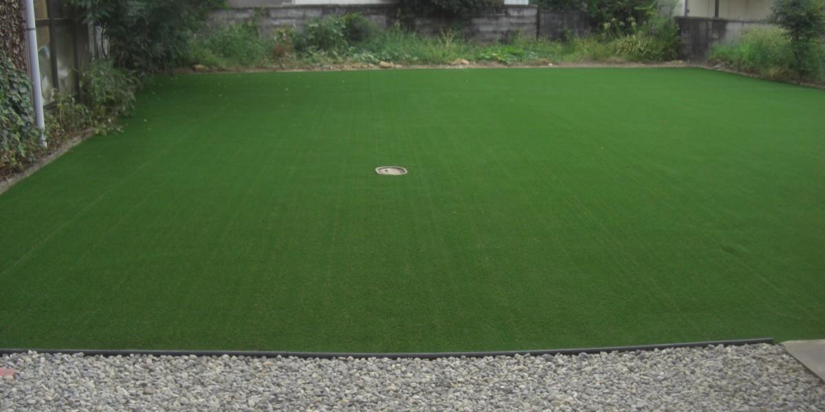 リアルな人工芝,雑草対策2