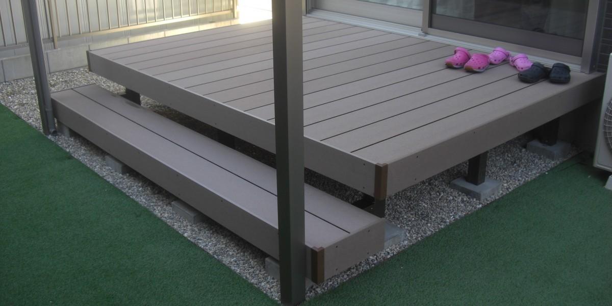 お庭の雑草対策に!人工芝張り・ウッドデッキ・テラスの施工事例|犬山市I様邸