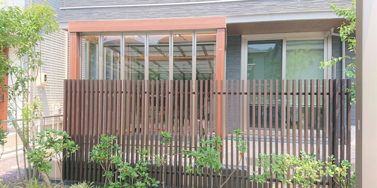 フルオープンにできるガーデンルームとタイルデッキ|各務原市