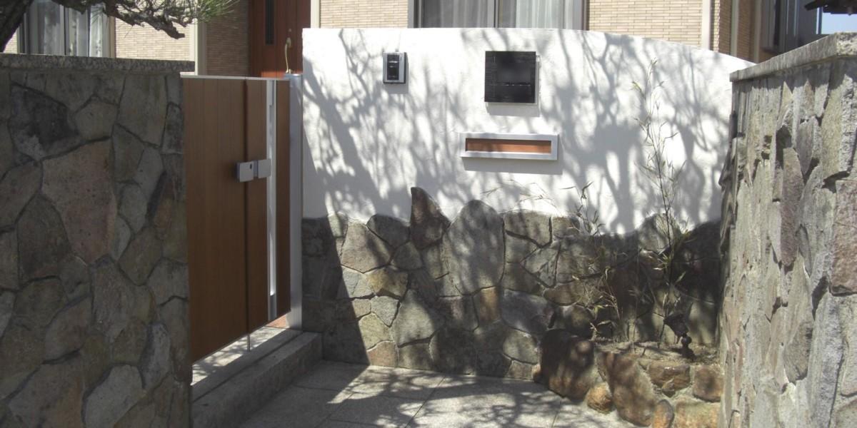 建て替え工事に伴う和風の坪庭のある外構工事|江南市
