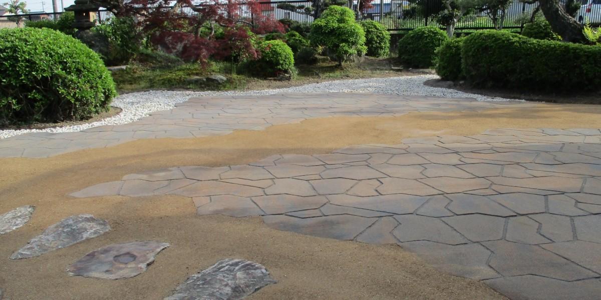 和風のお庭に雑草対策のためのおしゃれで水はけもいい舗装にリフォーム|江南市