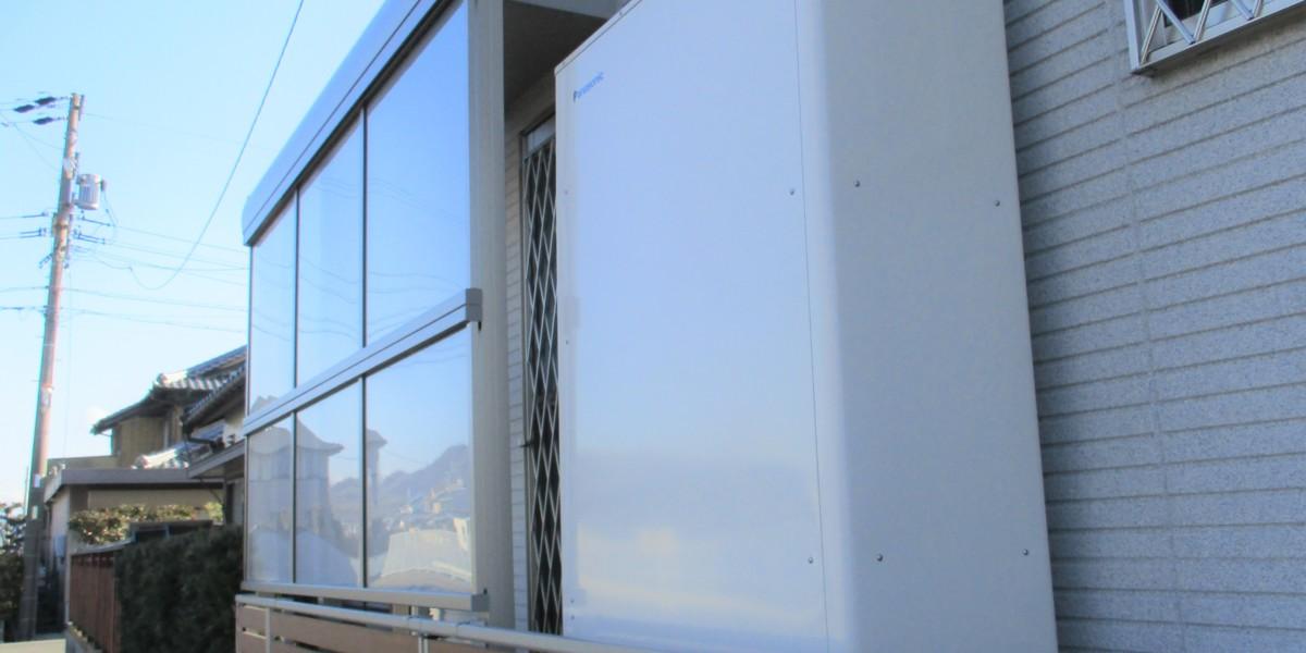 勝手口の目隠しと風よけに狭い場所でも設置が可能なテラスの施工事例|扶桑町