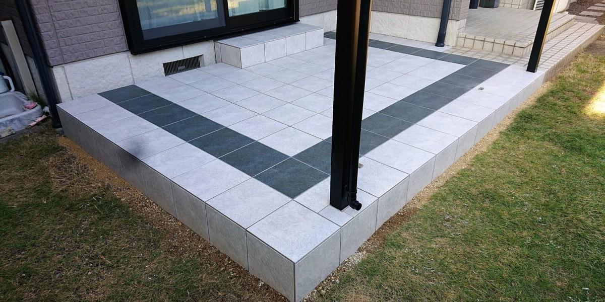 タイルデッキのある物干しテラススペースの施工例