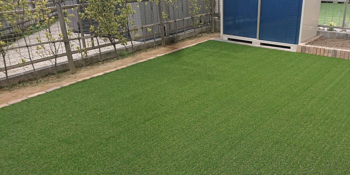 透水性のある平板とふかふかの人工芝でオシャレで安全に遊べる庭にリフォーム|大口町