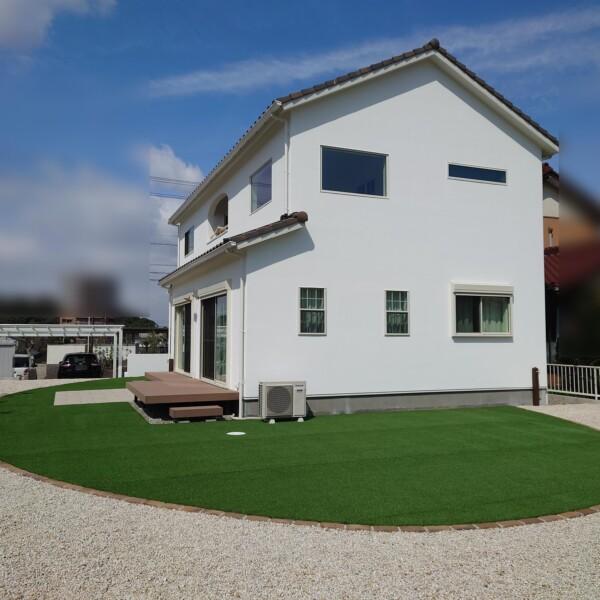 庭ー防草シートと砂利敷