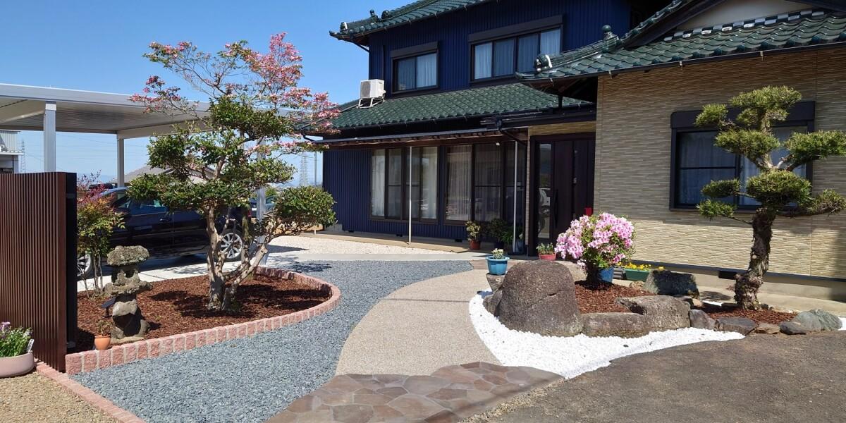 お庭のリフォームと駐車場・アプローチの新設工事の施工例|犬山市
