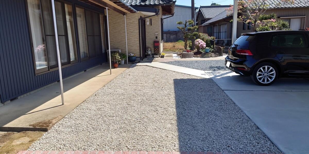 防草シート+砂利敷