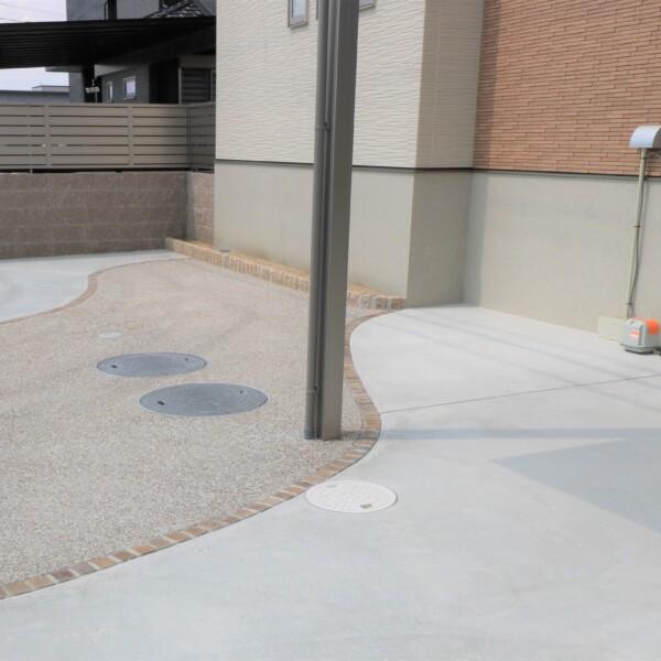 駐車スペースの舗装