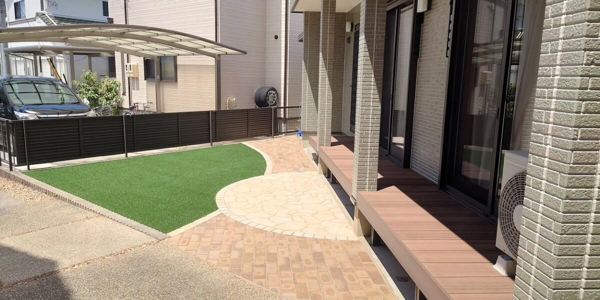 庭のリフォーム  デッキの交換とレンガ・平板・人工芝敷き